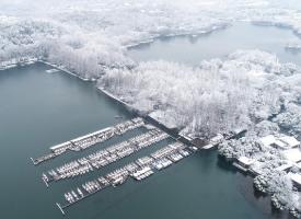雪后的西湖,银装素裹,宛如仙境