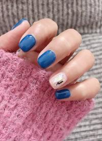 一组蓝色系美丽美甲图片欣赏
