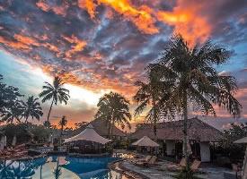 一组巴厘岛的晚霞图片