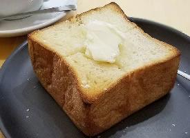 甜甜的乳酪面包图片