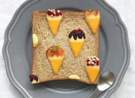 一组可爱的切片面包