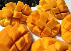最近爱上吃芒果了超级甜
