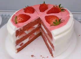 一起来吃草莓蛋糕啦