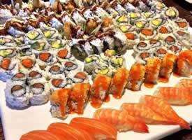 豪华的寿司宴会图片 