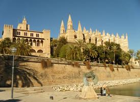 风景优美的西班牙马拉加城市图片