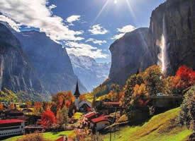 """瑞士的""""瀑布小镇""""——劳特布龙嫩山谷"""
