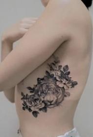 一组好看的飞针花花女生纹身图案