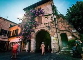欧洲最美的小镇——意大利西尔苗内镇
