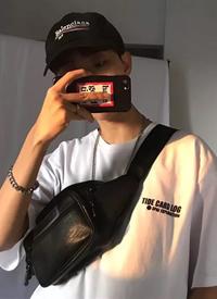 韩国帅气小哥哥自拍个人搭配生活照图片