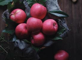 脆脆甜甜的红色大苹果