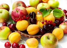 清新养眼的水果桌面壁纸图片