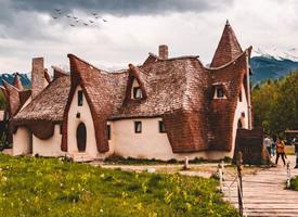 """唯美的格林童话城堡,罗马尼亚仙女谷的""""泥城堡"""" """