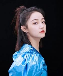 吴佳怡孔雀蓝短裙性感写真图片