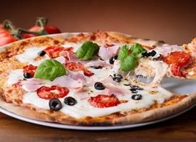 一组可口的披萨图片