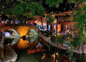 丽江古城的夜景,美丽且迷人