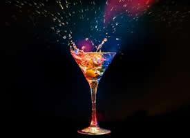 色彩鲜艳的鸡尾酒图片