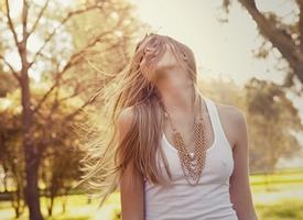 生活还在继续,你要学会微笑着原谅自己