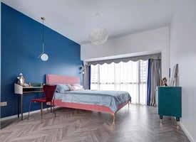 法式轻奢风,蓝色的加入使整个家都变得不一样