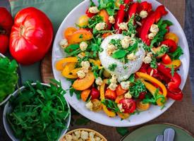 营养爽口的蔬菜沙拉图片