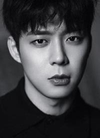 韩国男神朴有天帅气写真图片