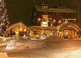 童话般的瑞士雪夜
