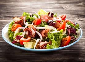 可口好吃的蔬菜沙拉图片