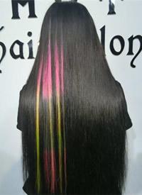 大胆时髦的女生直发发型图片