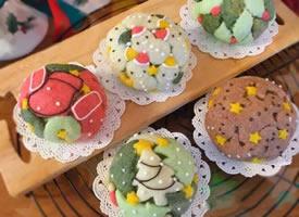 一组五彩可爱的甜品图片