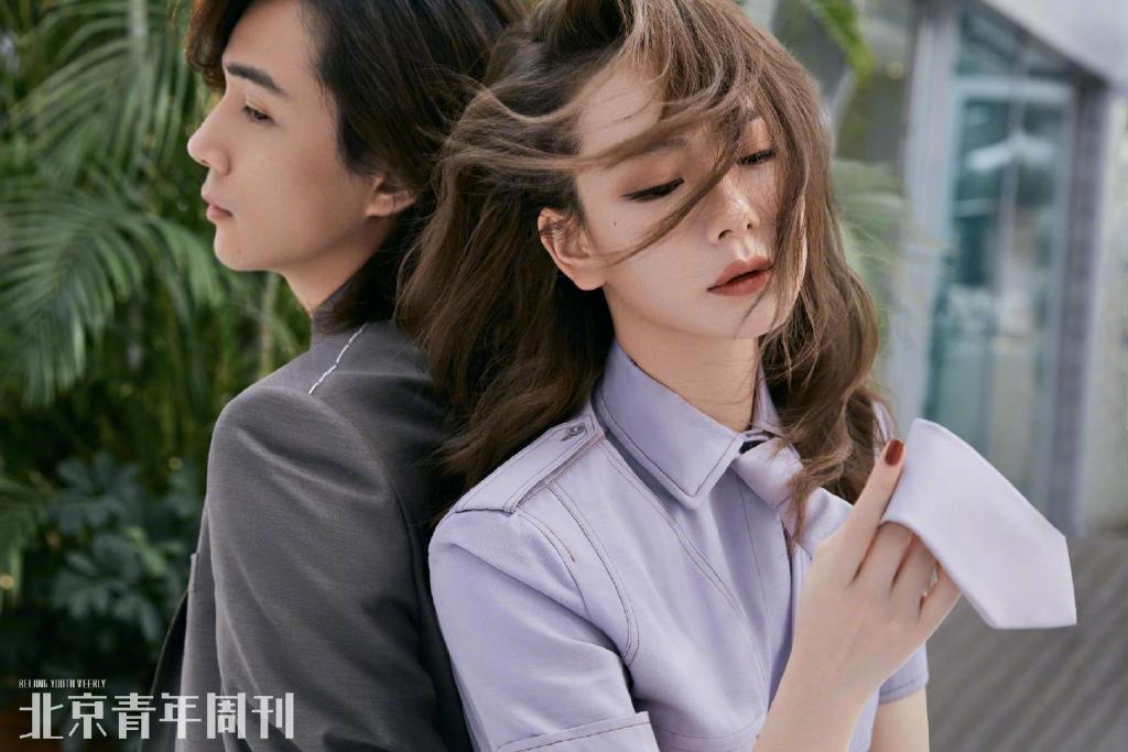 戚薇李承铉时尚杂志写真大片
