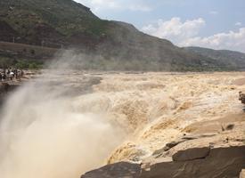 山西临汾壶口瀑布风景图片