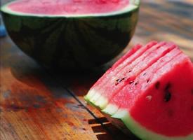 一组夏日必吃的西瓜图片