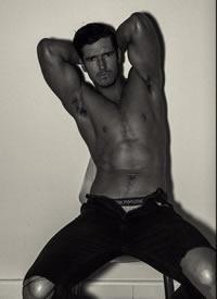 成熟魅力的欧美肌肉帅哥图片