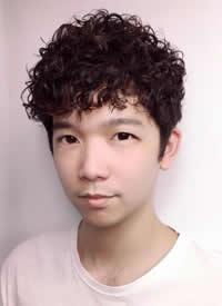 日韩男士短发烫发发型图片
