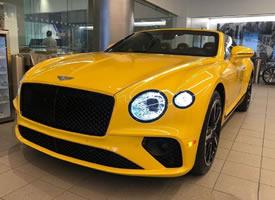 宾利欧陆GTC,黄色眼前一亮的感觉