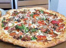 美味好吃的披萨图片