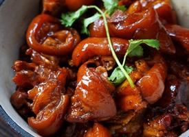传统名菜红烧猪蹄图片