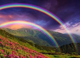 一组五彩缤纷的雨后彩虹图片