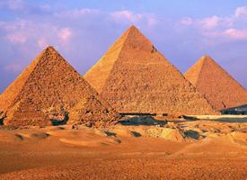 一组埃及金字塔图片