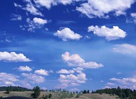 姿态万千的云朵图片