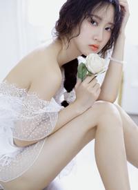 露背裙美女性感美腿诱惑写真图片