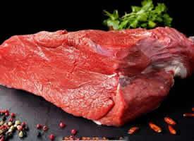 新鲜的生牛肉图片