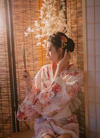 日系和服美女细长美腿写真图片