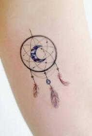 一组小清新手臂月亮纹身图案