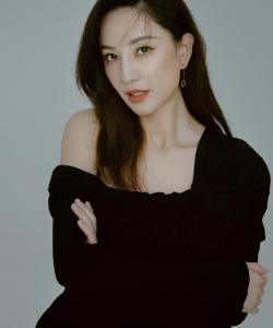 郑希怡时尚魅力写真图片