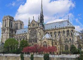 象征着法国人民智慧的巴黎圣母院图片