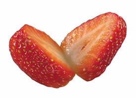 一组剖开的草莓高清图片