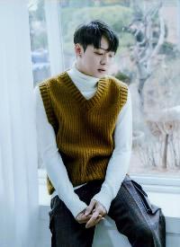韩国帅哥明星朴有天帅气写真图片