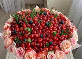 一组超好看的水果花束图片