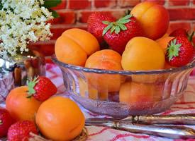新鲜的水果杏子高清桌面壁纸