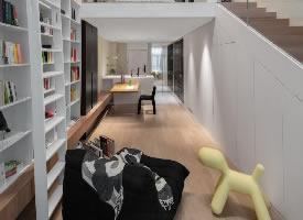 35平米的loft,客厅变图书馆